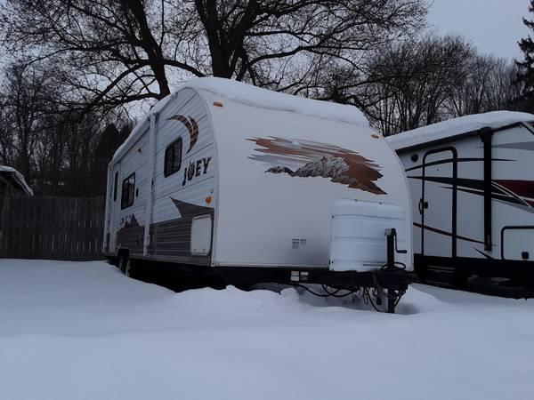 Photo 2011 Skyline Layton Joey 260 4200 lbs sleeps 4-6 with slide - $11,995 (Cortland NY)