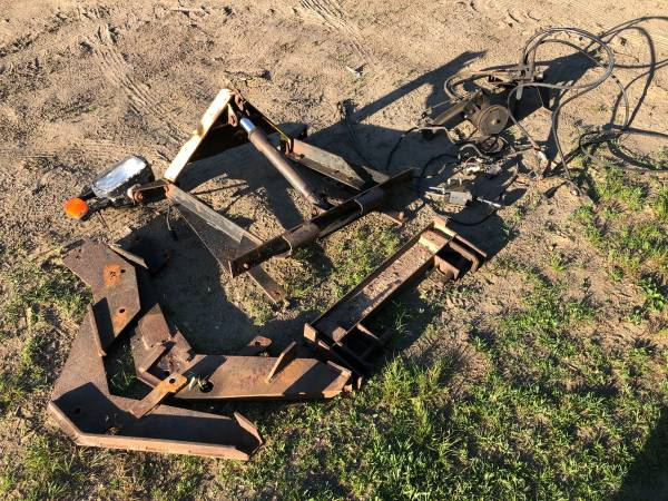 Photo 81-87 Chevy Truck Plow Setup Fisher Square Body - $200 (Colchester)