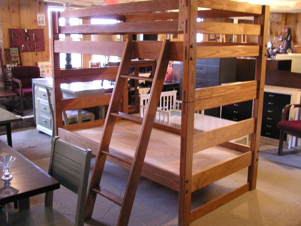 Photo BEAUTIFUL REFURBISHED USED FURNITURE -- Pictures (606 Dutch Valley Rd, Edmeston)