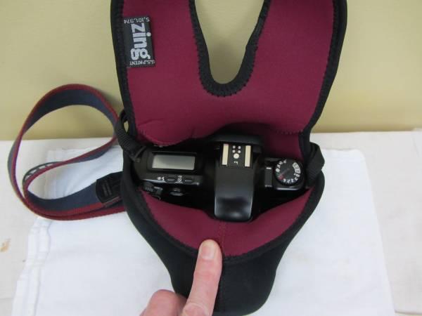 Photo Canon EOS REBEL XS 35mm FILM SLR Camera wCanon EF 35-80mm f4-5.6 II - $100 (Manlius)