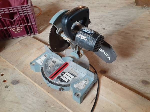 Photo Delta 8 14quot compound miter saw - $20 (Sutton)