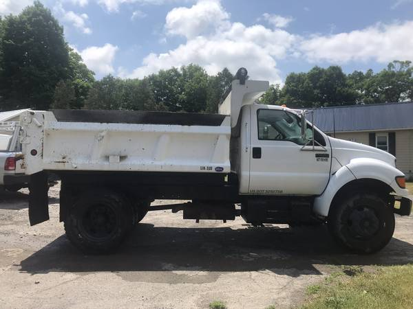 Photo Dump truck for sale by owner - $25000