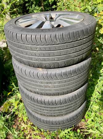 Photo Honda wheels and Tires for sale - $100 (CantonWaterman Hill)