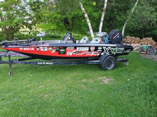Photo Nitro Bass boat - $9,500 (North Lawrence)
