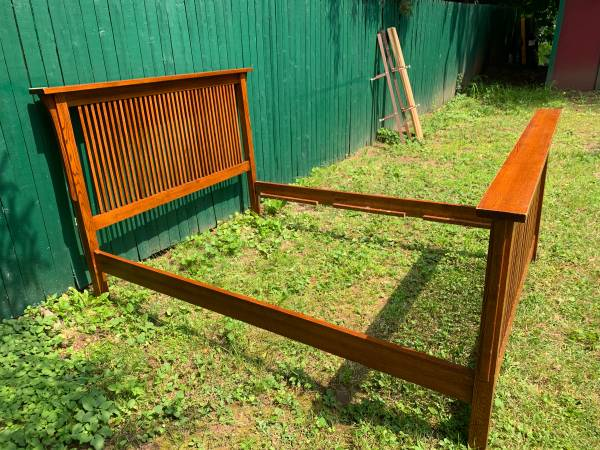 Photo Queen Size Oak Mission Style Bed Frame - $350 (Potsdam)