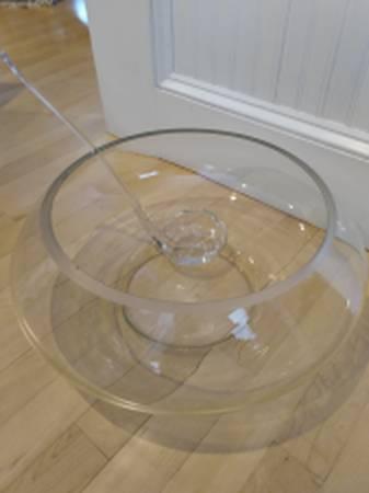 Photo RIEKES CRISA MODERNA PUNCH BOWL SET  Handblown Glass - $35 (South Burlington)