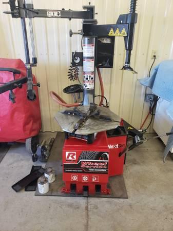 Photo Ranger R980AT Tire Changer - $2800 (Potsdam)