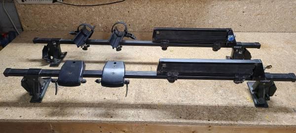 Photo Thule roof rack wski  bike attachments - $150 (Colchester)