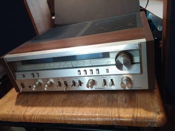 Photo Vintage Pioneer Stereo SX-3800 - $145 (Waddington)