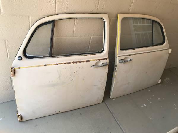 Photo 1968 VW BUG DOORS Beetle - $100