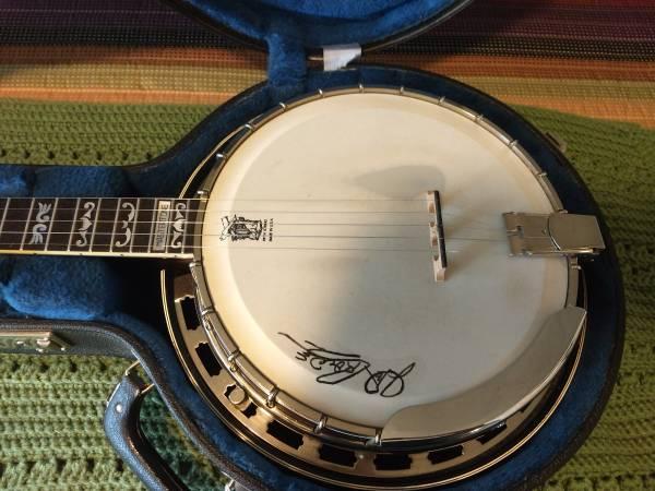 Photo 1980 Goldstar 5 ST. Banjo w hard shell case, Gibson neck - $900