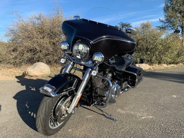 Photo 2012 Harley-Davidson Road King - $9,849 (Prescott)