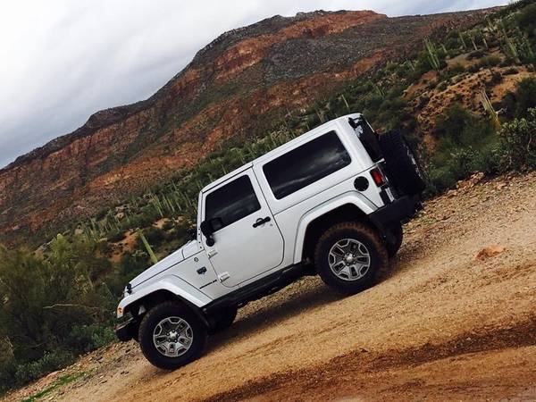 Photo 2012 Jeep Wrangler Limited Edition Arctic - $23000 (Prescott Valley)