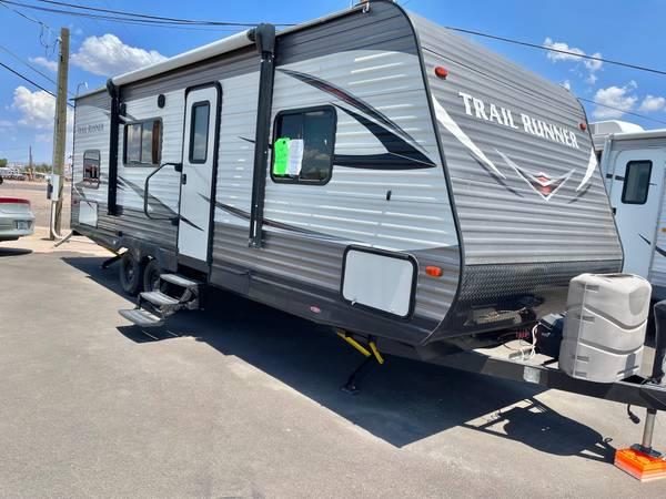 Photo 2018 Heartland Trail Runner 25Ft Ultra Lite Sleeps 8 Bunk House - $24,900 (11201 e apache trail)