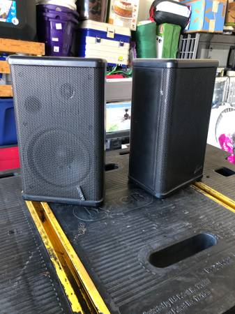 Photo Advent speakers - $60 (Chino valley)