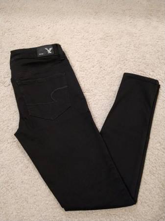 Photo American Eagle Super Super Stretch Mid-Rise Jegging Jeans - $25 (Prescott Valley)