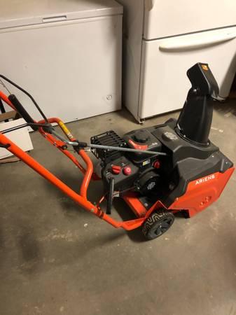 Photo Ariens snow blower - $650 (Prescott valley)