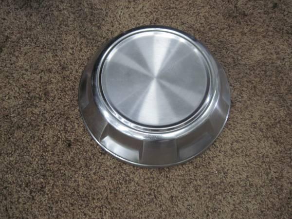 Photo Dodge truck dog dish hubcap - $5 (Prescott Valley)