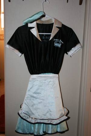 Photo Halloween Costume 50s Female Adult Car Hop or Men39s Bowling Costume - $35 (Coyote Springs, Prescott Valley)