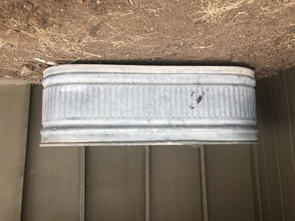 Photo Horse trough - $75 (Prescott)