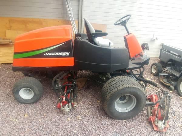 Photo Kubota Jacobsen LF3400 Mower tractor - $1,700 (Chino Valley)