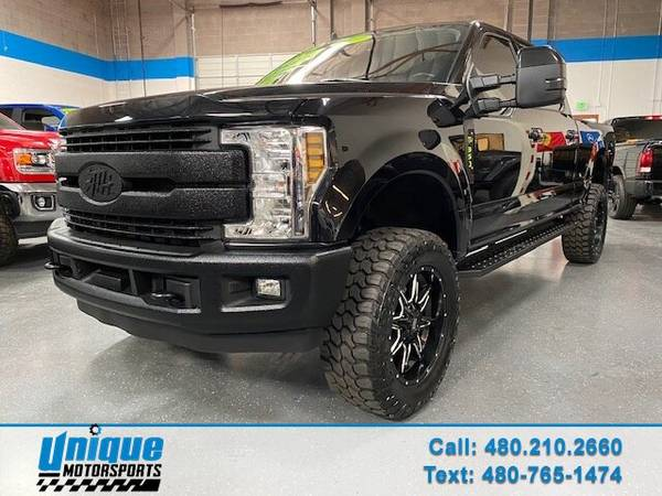 Photo LEVELED BLACK BEAUTY 2019 FORD F350 CREW CAB LARIAT 4X4 SHORT BED 6. - $64,995