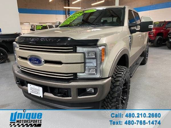 Photo LIFTED 2017 FORD F350 CREW CAB LARIAT SHORT BED 4X4 6.7 LITER POWERS - $66,995