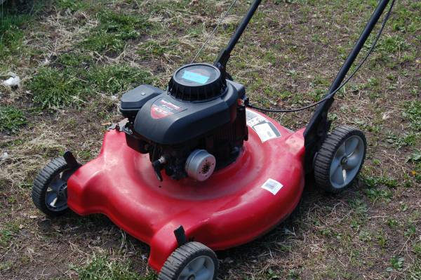Photo MTD Yard Machines Lawn Mower - $35 (Prescott)