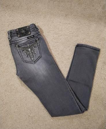 Photo Miss Me Low Rise Skinny Slim Fit Jeans - $50 (Prescott Valley)
