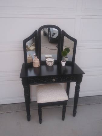 Photo SOLD. 3 Piece Set Vanity Desk Tri Fold Mirror  Stool Chair - $145 (Dewey)