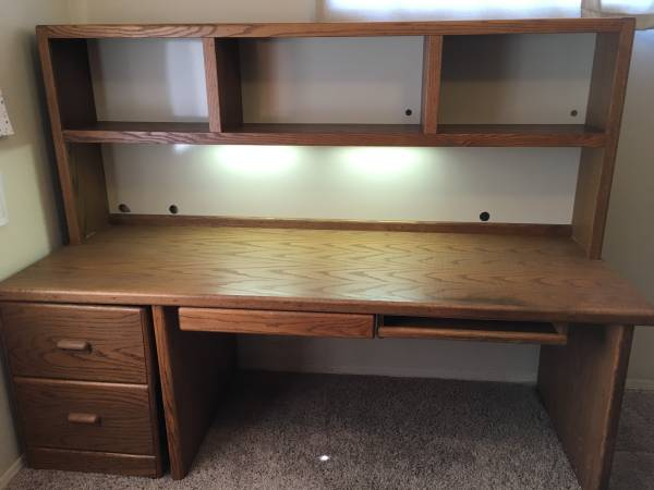 Photo Solid Oak Desk with hutch - $250 (Paulden)
