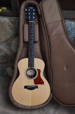 Photo TAYLOR GS MINI GUITAR FOR SALE - $375 (Chino Valley)