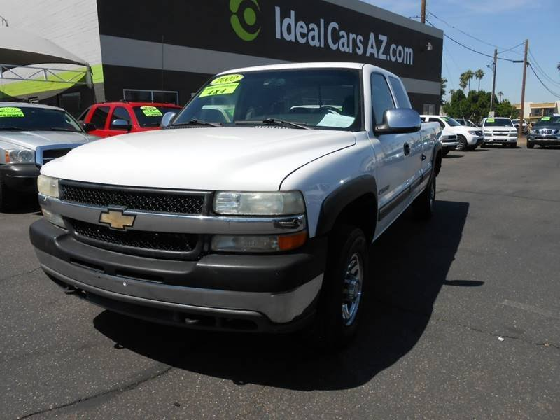 Photo Used 2002 Chevrolet Silverado 2500 4x4 Extended Cab for sale