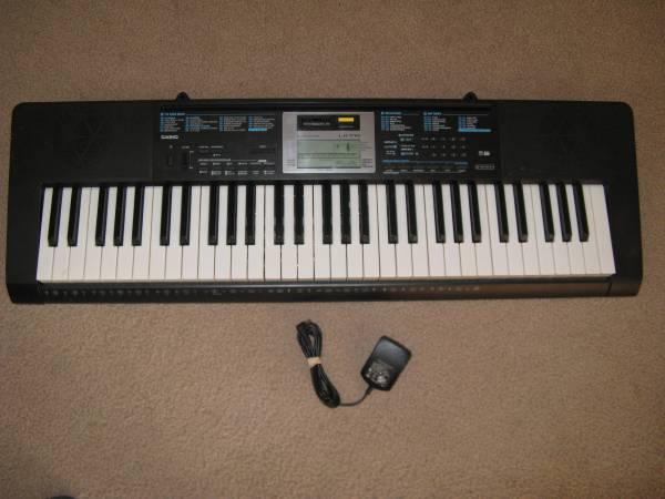 Photo Casio Keyboard LK-170 - $55 (Twin Falls)