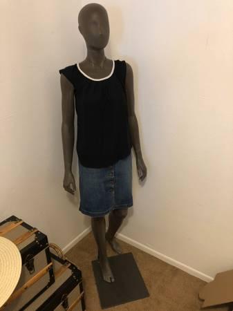 Photo Full Size Mannequin - Female full body - grey - $40 (clifton)