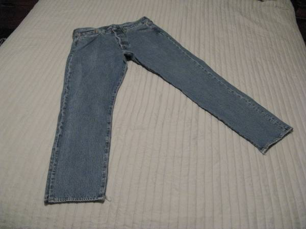 Photo PAIR OF BIG E LEVI39S JEANS 32quot WAIST AND 30quot LONG. - $40 (MURRAY  HOLLADAY  MILLCREEK  SALT LAKE CITY UTAH AREA)