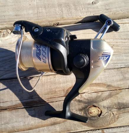 Photo Shimano AX4000FB Fishing Reel - $15 (Rupert)
