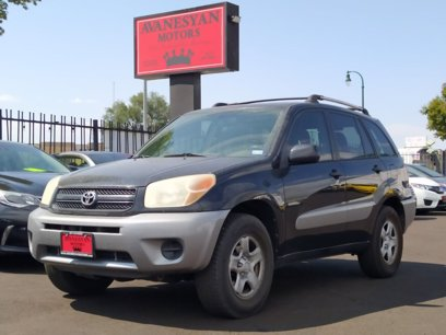 Photo Used 2004 Toyota RAV4 2WD for sale