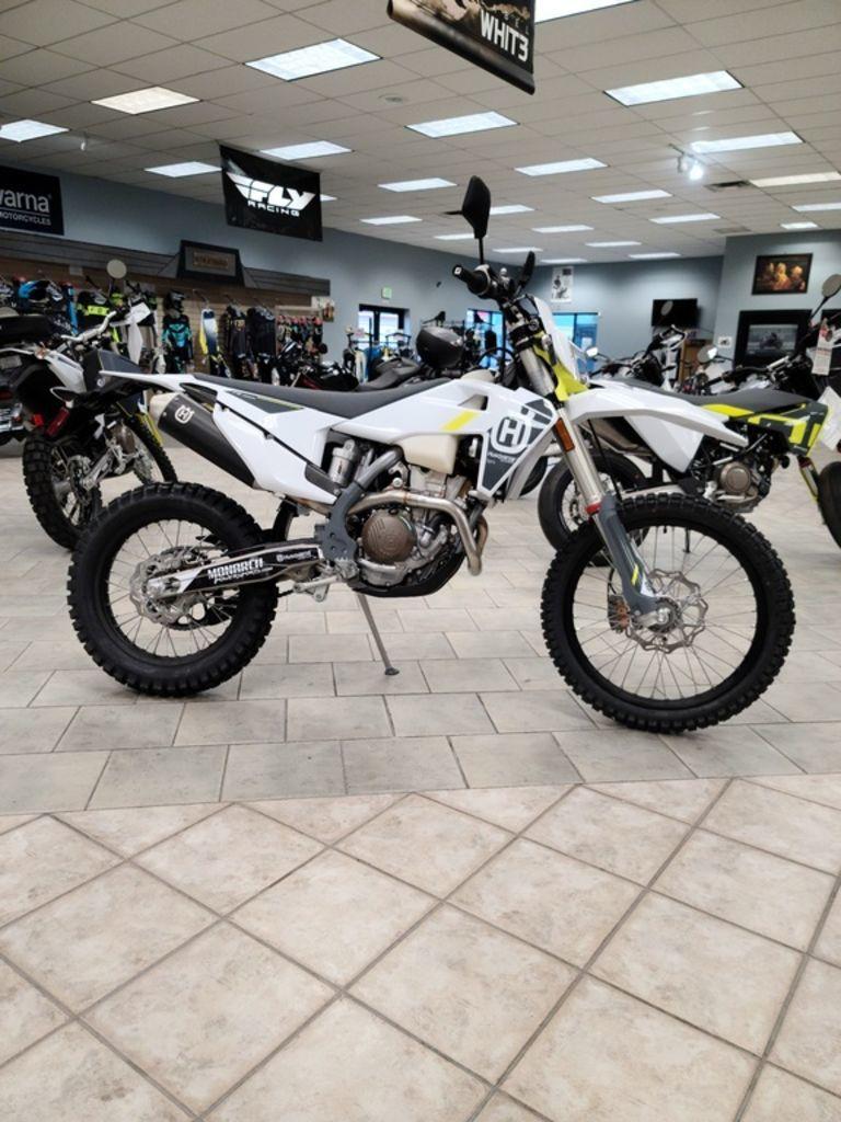 Photo 2022 Husqvarna Dual Sport Motorcycle  $11499
