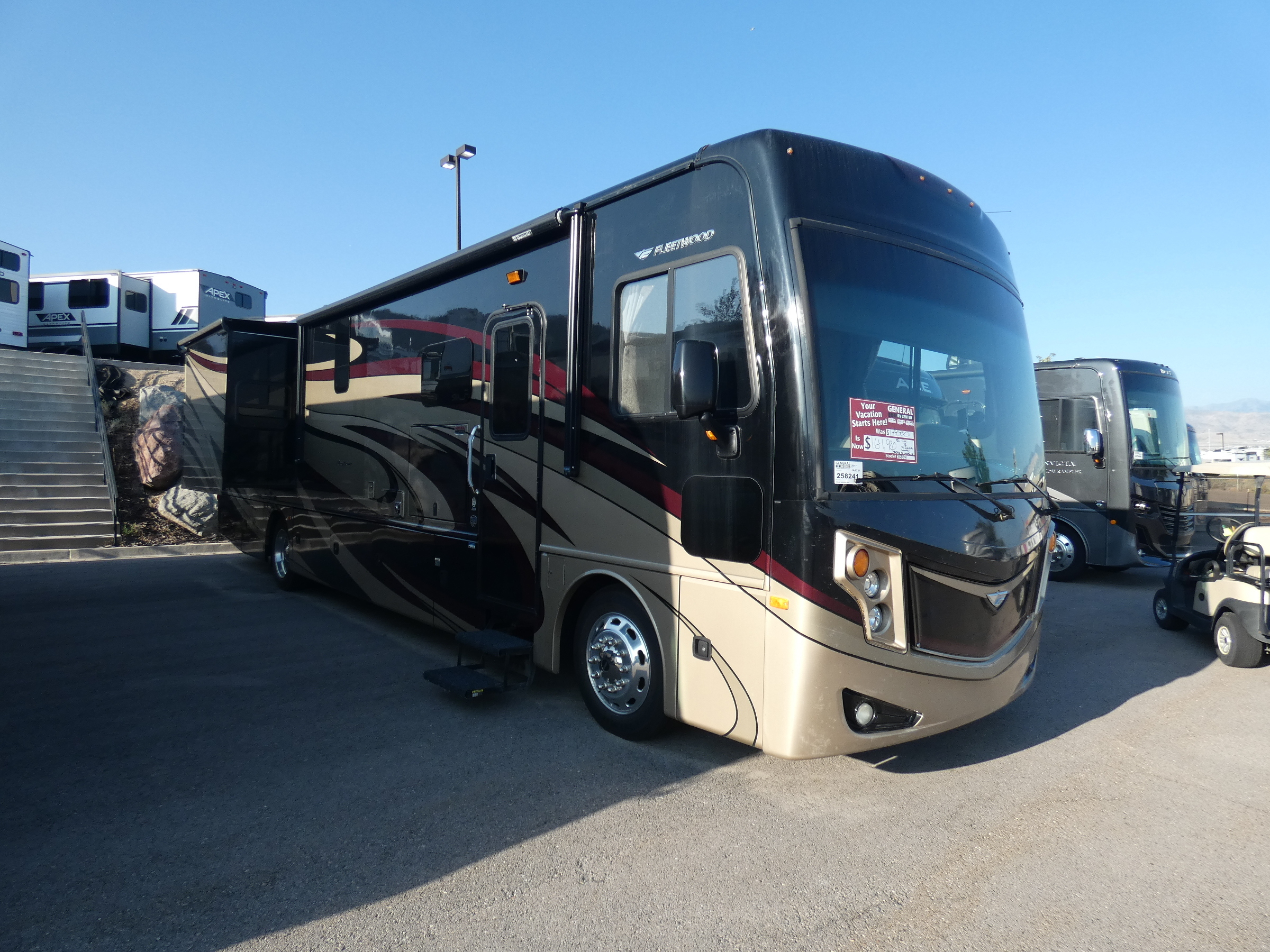 Photo Used 2017 Fleetwood Class A RV  $164995