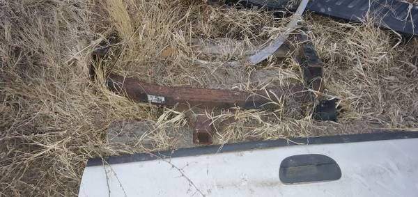 Photo 1999-2004 ford f350 hitch - $50 (Rocky Ford)