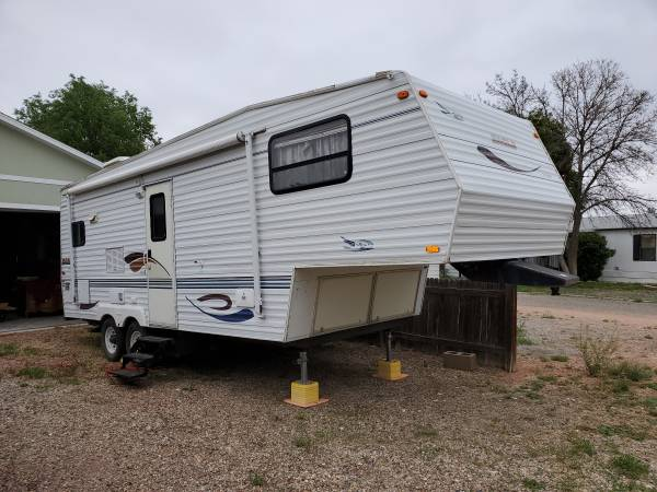 Photo 2000 Jayco Eagle 24RKS 5th Wheel - $5500 (Pueblo)