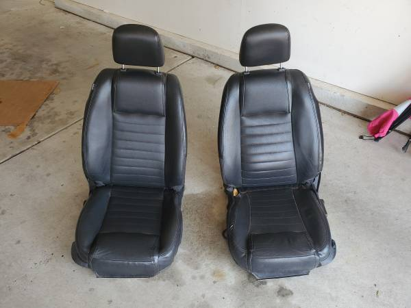 Photo 2005-09 Ford Mustang Black Leather Seats - $500 (Pueblo West)