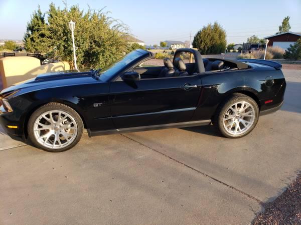 Photo 2010 Ford Mustang GT Premium Convertible - $21,500 (Pueblo west)
