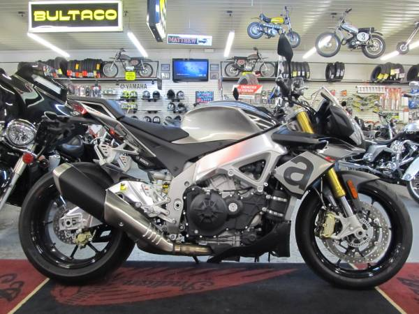 Photo 2016 Aprilia Tuono V4 RR ABS (Steeles Cycle Buy,Sell,Trade,Consign) - $8,699 (Englewood)