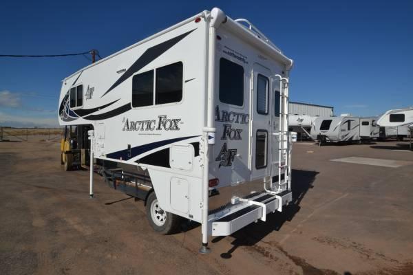 Photo 2020 ARCTIC FOX 865 SHORTBED LOADED 4 SEASON TRUCK CAMPER - $34995 (www.boardmanrv.com)