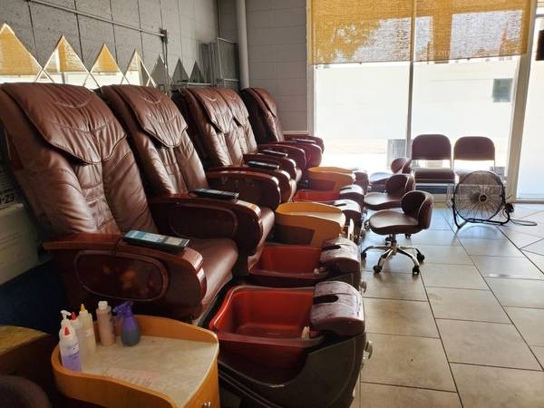 Photo Full Nail Salon all updated and remodeled - $60,000 (Pueblo)