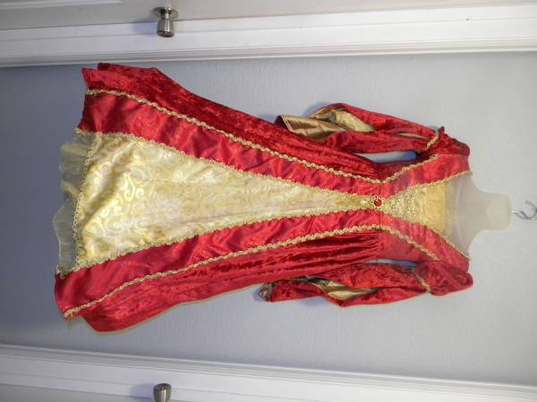 Photo Girls Sz M (10-12) Renaissance Costume Dress - $10 (Pueblo West)