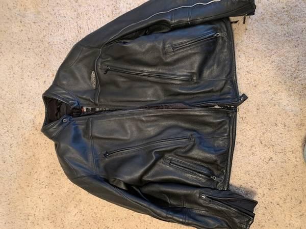 Photo Harley Davidson FXRG Jacket and chaps - $350 (Pueblo West)