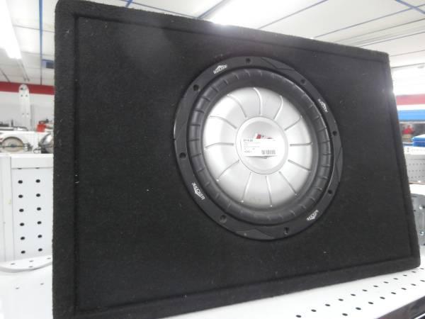 Photo KICKER 10 INCH SUB IN BOX - $120 (pueblo)